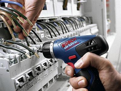 Электромонтаж – важный момент при проведении ремонтных и строительных работ