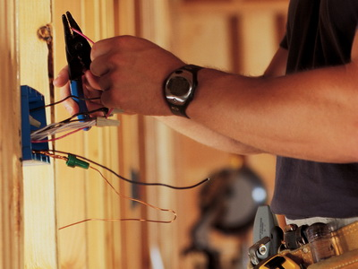 Электропроводка в частном доме – особенности и сложности