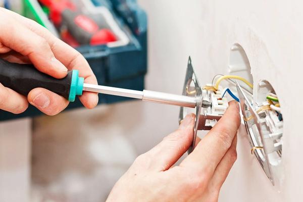 Проводка в доме самостоятельно: этапы и безопасность